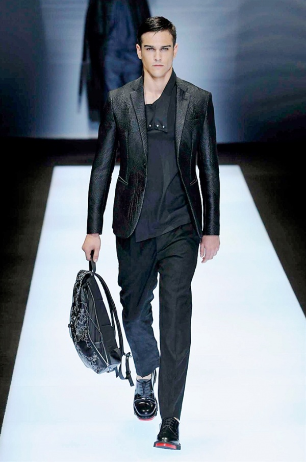Emporio Armani 2017 Men s Fashion Show - Personal Shopper Roma c0abde1f40