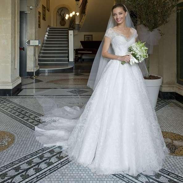 Abiti Da Sposa Armani.Margareth Made Con Abito Da Sposa Armani Prive Personal Shopper Roma
